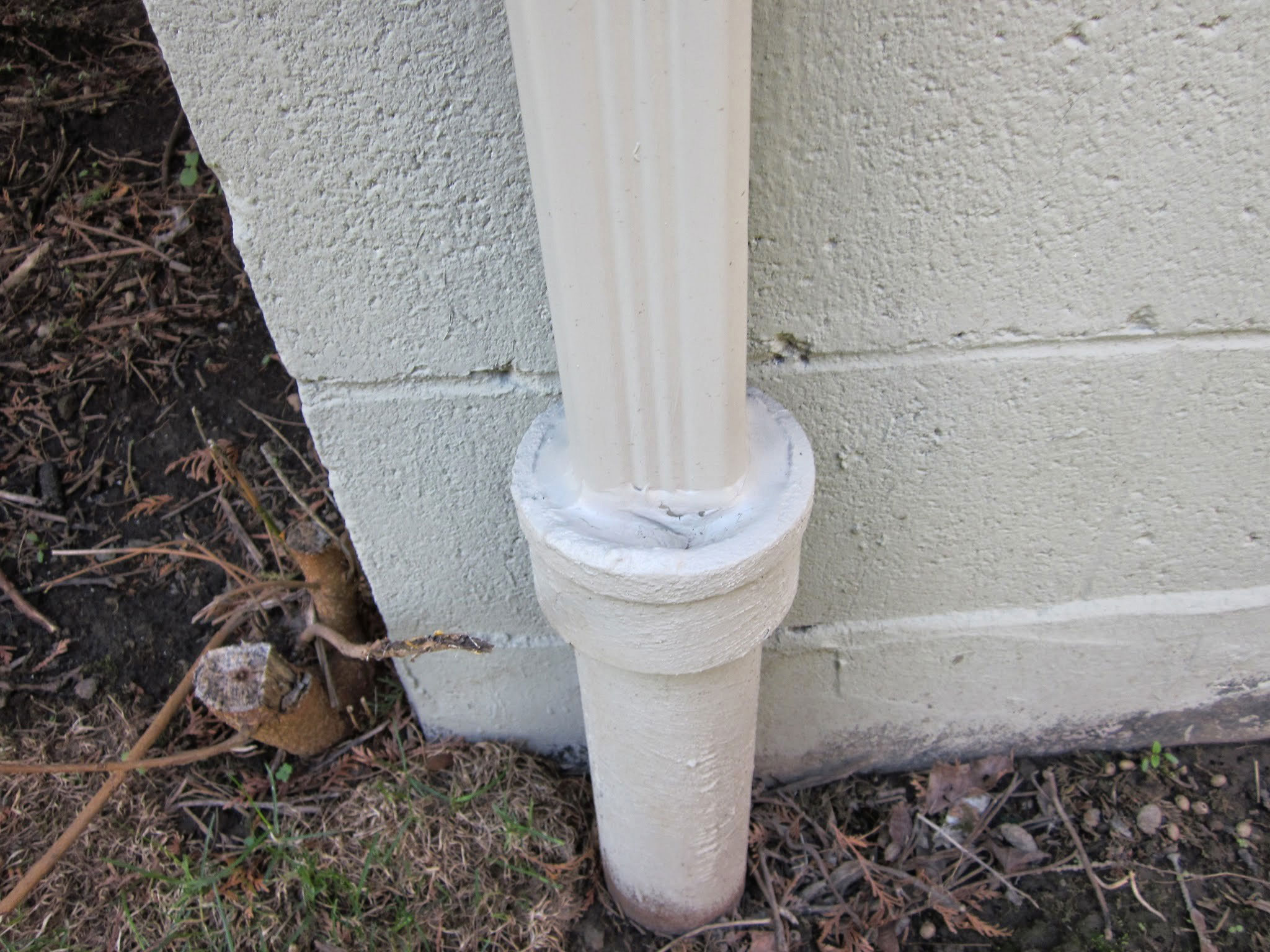 Rain chains a beautiful alternative to downspouts for Downspout drain